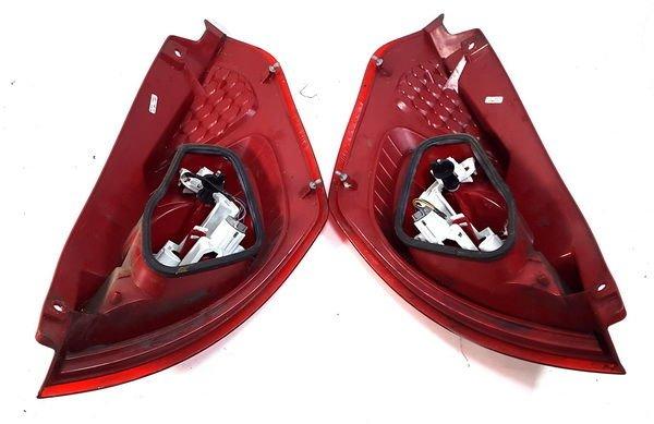 Ford Fiesta Mk7 Lampa Tył Tylna Prawa Kompletna